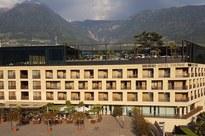Aufstockung Hotel  Therme Meran.jpg