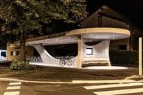 Fahrradabstellanlage_Buswartebereich_Engel_Nacht_©Lukas Hämmerle (7).jpg