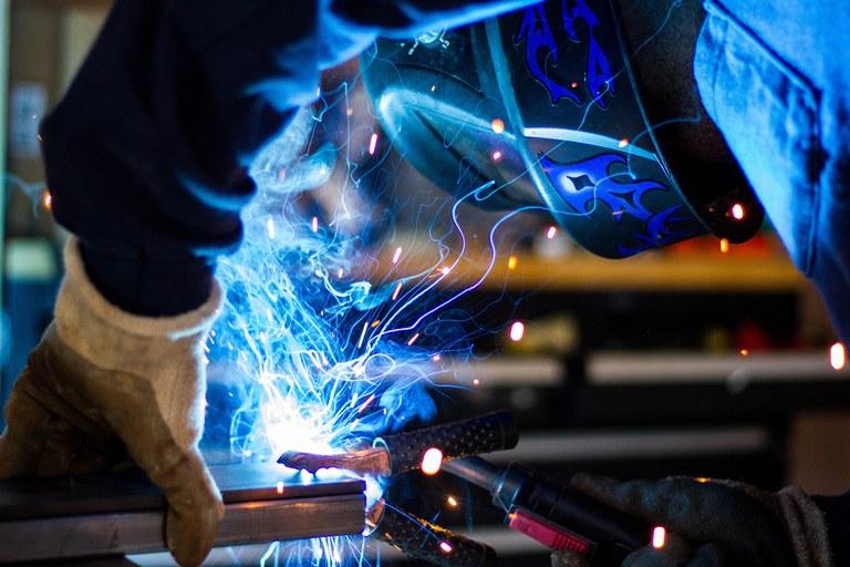 welding-1209208_1920.jpg